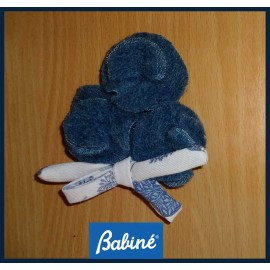 Babiné Winter Girl Pin Flowers and Lace
