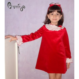 Carmen Vázquez Winter Girl Red Dress Nieve